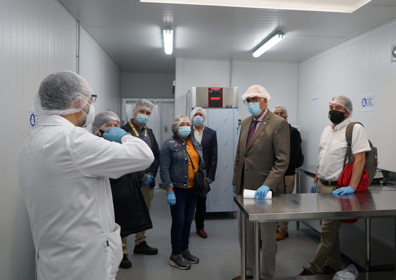 Intendente visitó sala de procesos de productos del mar que beneficiará a pescadoras artesanales de toda la región